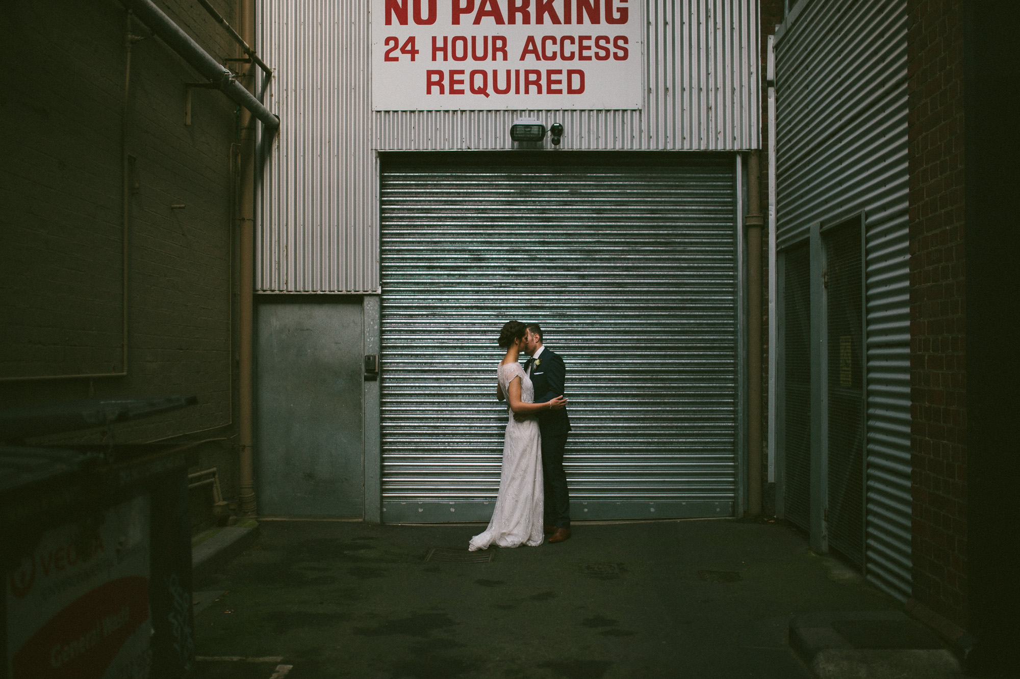 Jason-Charlotte-Melbourne-Quirky-Urban-Alternative-Wedding-Photography-36
