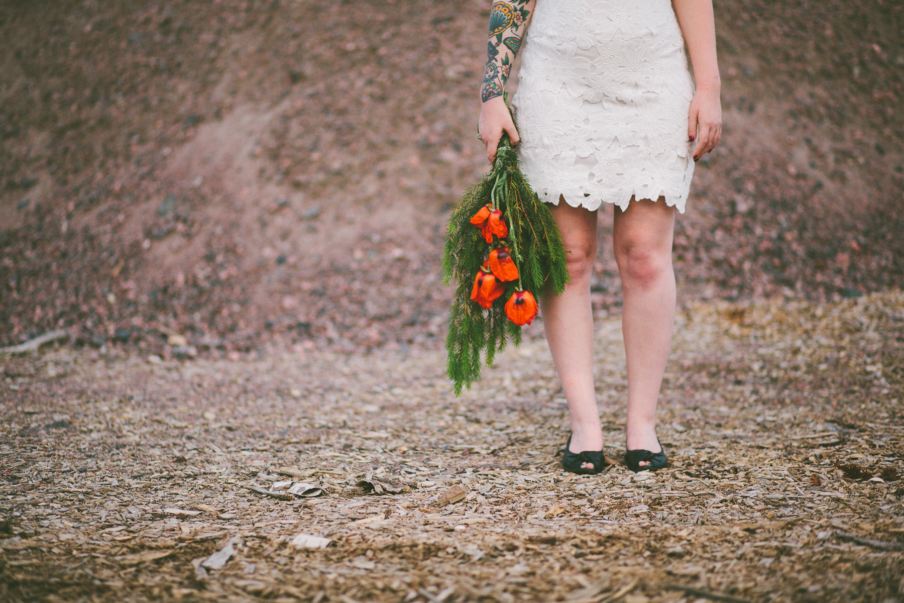 Sara-Bohemian-Moody-Alternative-Wedding-Photography-Inspiration-52