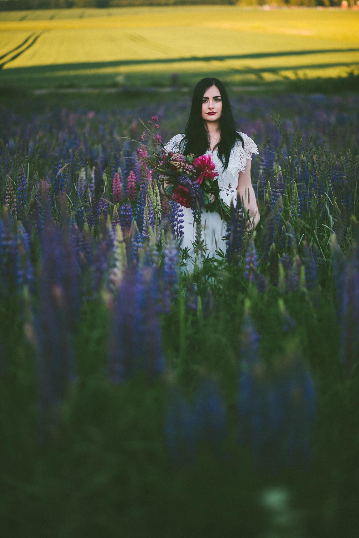 Sara-Bohemian-Moody-Alternative-Wedding-Photography-Inspiration-86