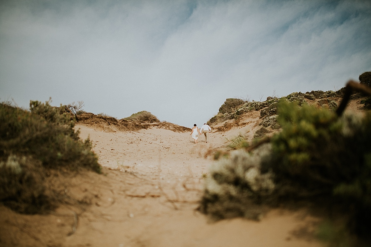 Zoe&Marc_Mornington-Peninsula-Candid-Romantic-Back-Beach-Engagement-Session_Melbourne-Quirky-Wedding-Photography_08