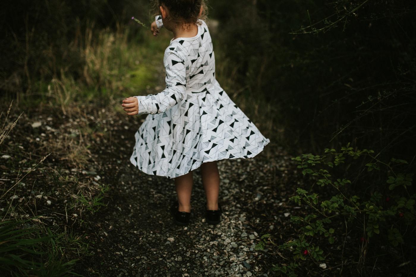 Avslappnade-naturliga-roliga-Familjesession-Familjebilder-Ben&Rosanne&Luella_12