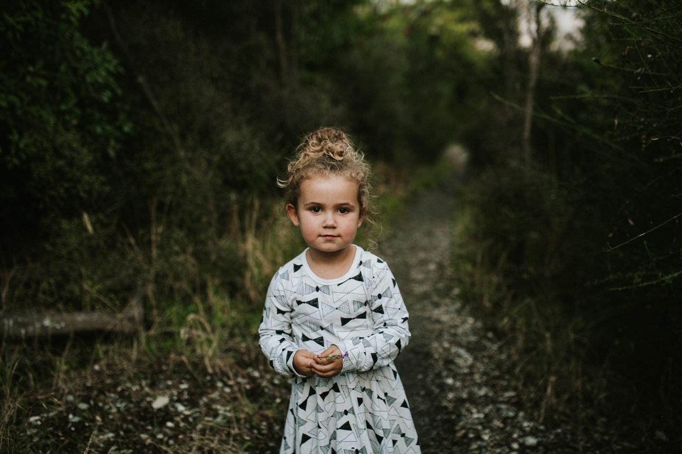 Avslappnade-naturliga-roliga-Familjesession-Familjebilder-Ben&Rosanne&Luella_13