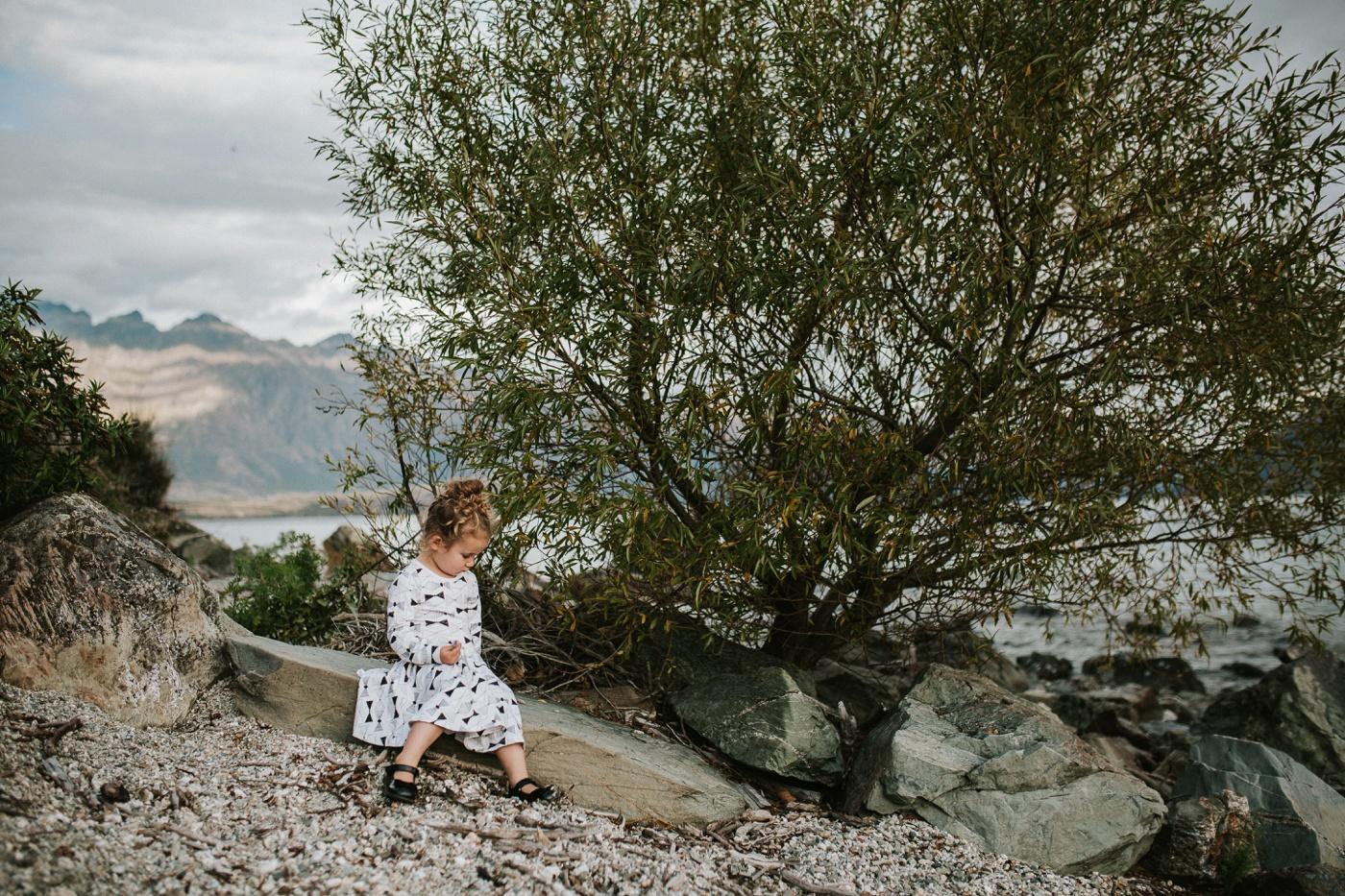 Avslappnade-naturliga-roliga-Familjesession-Familjebilder-Ben&Rosanne&Luella_15