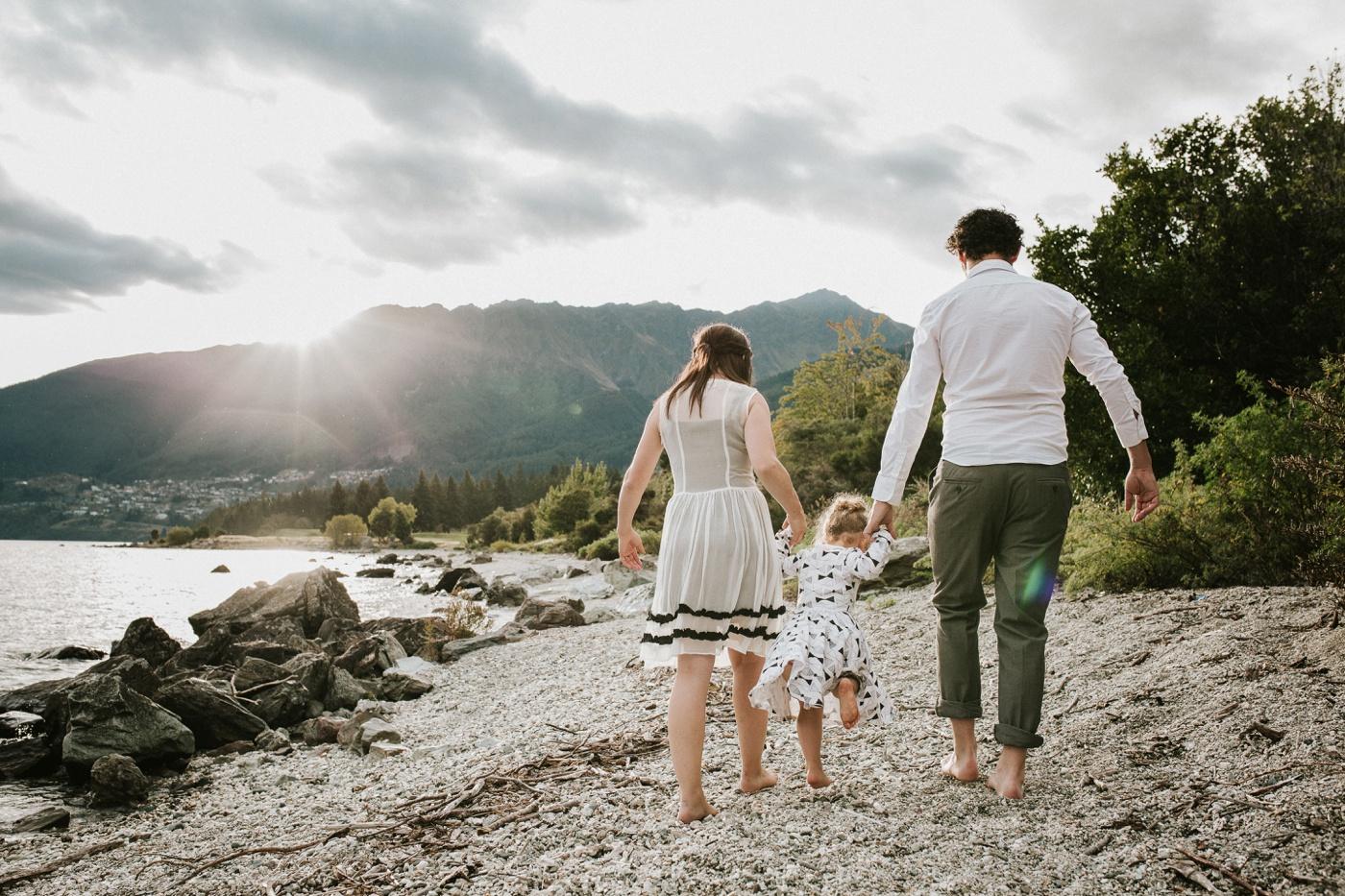 Avslappnade-naturliga-roliga-Familjesession-Familjebilder-Ben&Rosanne&Luella_21