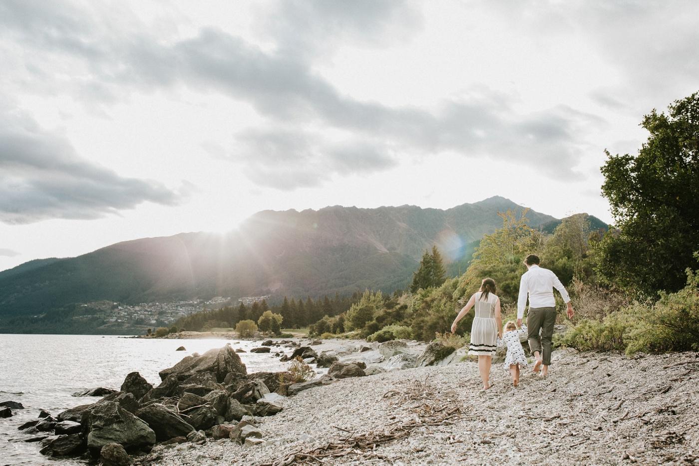 Avslappnade-naturliga-roliga-Familjesession-Familjebilder-Ben&Rosanne&Luella_22