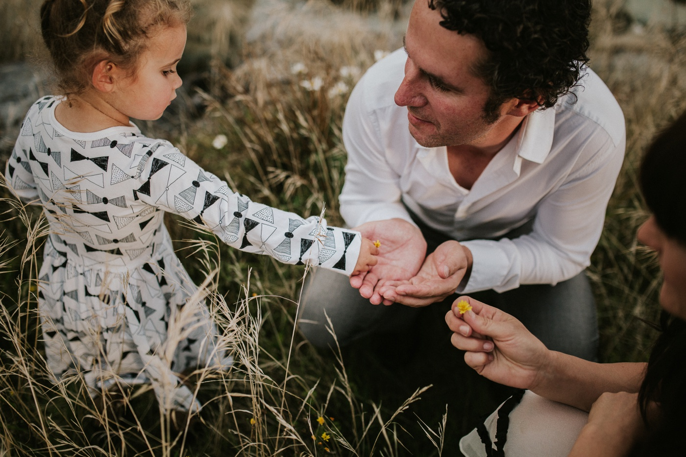 Avslappnade-naturliga-roliga-Familjesession-Familjebilder-Ben&Rosanne&Luella_28