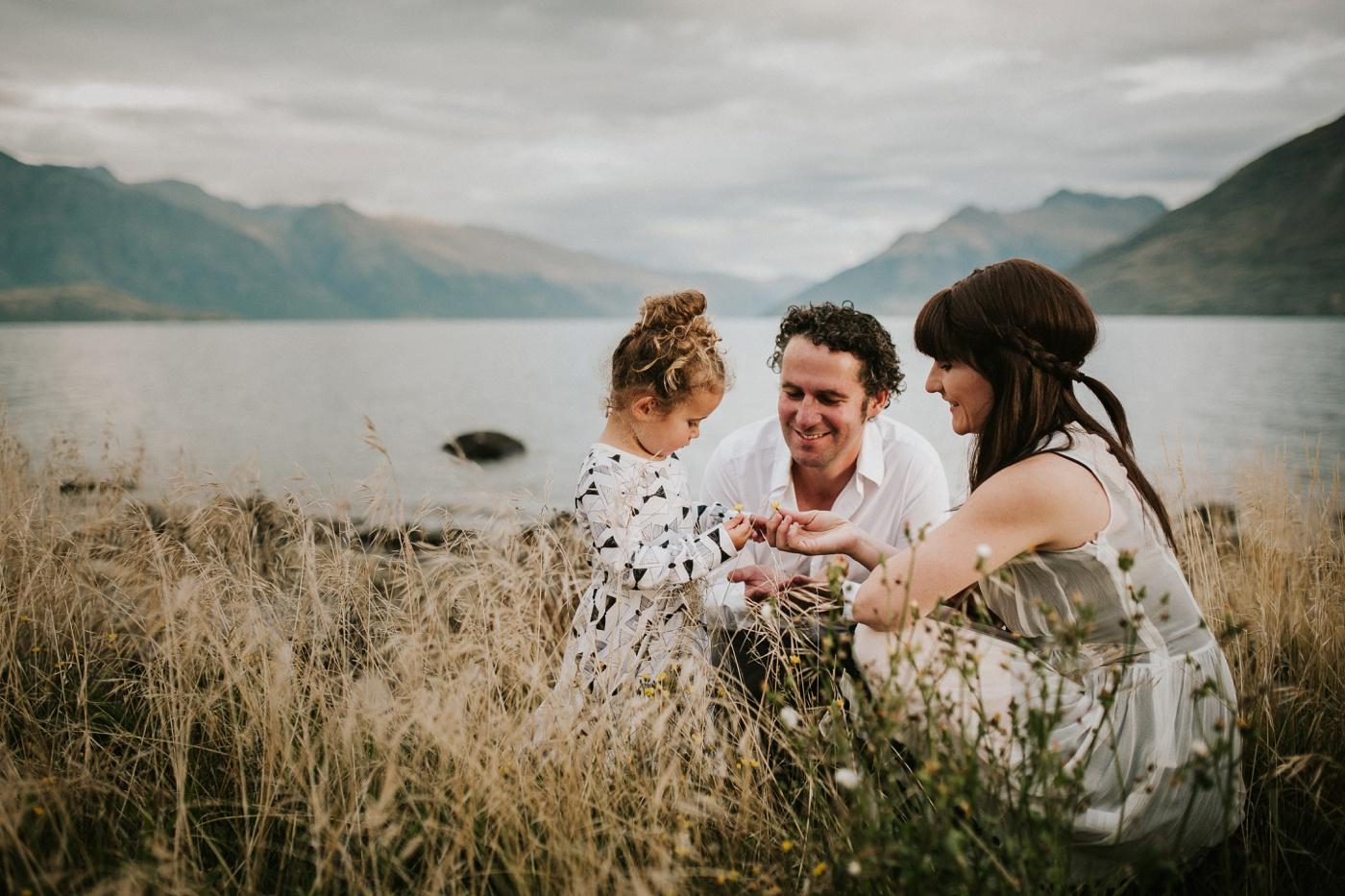 Avslappnade-naturliga-roliga-Familjesession-Familjebilder-Ben&Rosanne&Luella_29