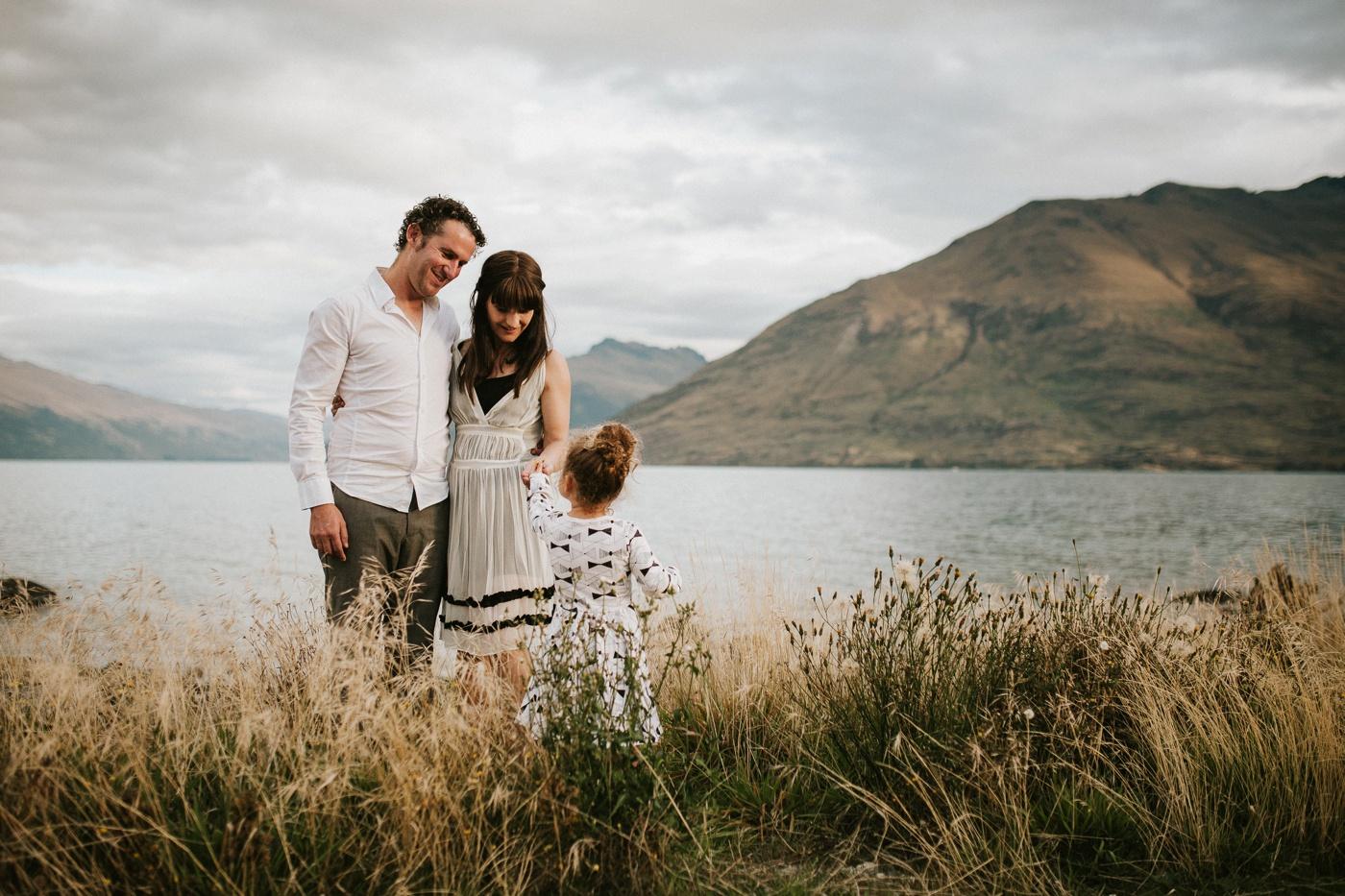 Avslappnade-naturliga-roliga-Familjesession-Familjebilder-Ben&Rosanne&Luella_31