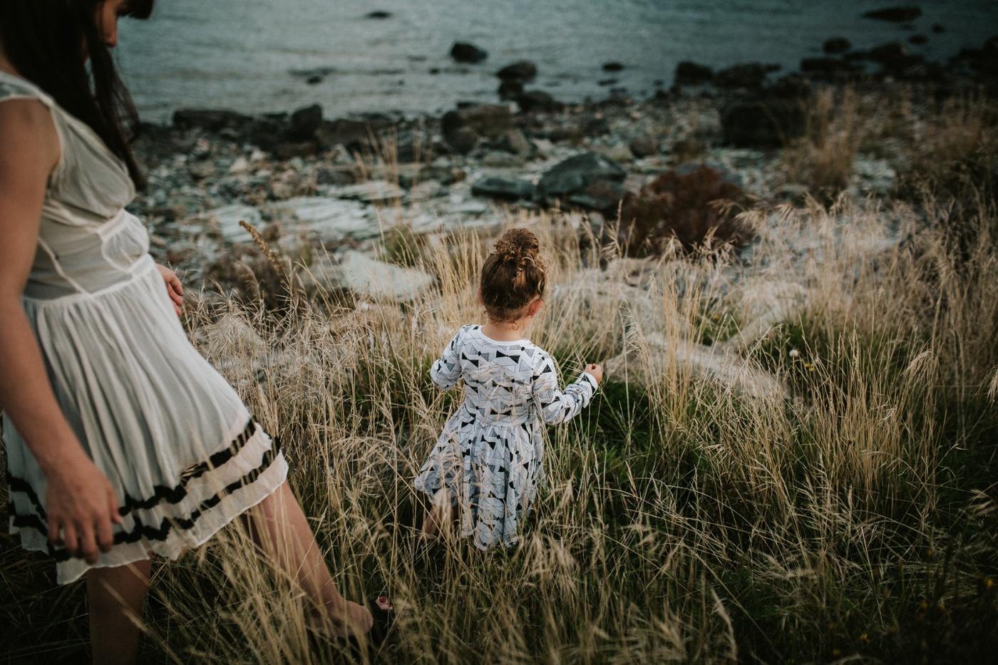 Avslappnade-naturliga-roliga-Familjesession-Familjebilder-Ben&Rosanne&Luella_33