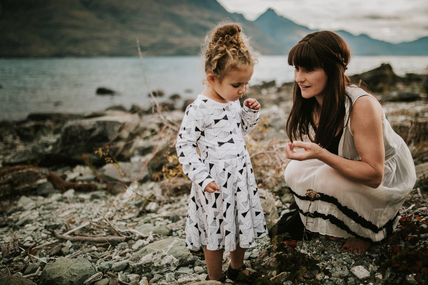 Avslappnade-naturliga-roliga-Familjesession-Familjebilder-Ben&Rosanne&Luella_35
