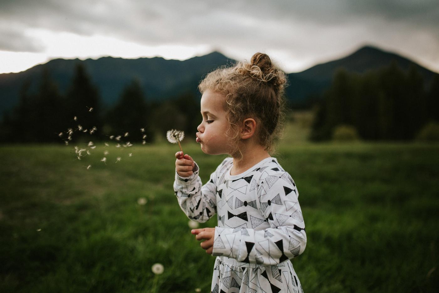 Avslappnade-naturliga-roliga-Familjesession-Familjebilder-Ben&Rosanne&Luella_41