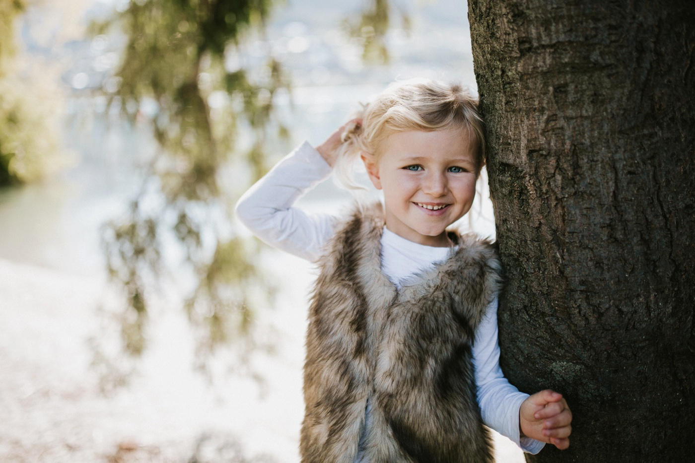 Blake-Lily-Rolig-Lekfull-Familjesession-Familjefotograf-Stockholm-Orebro_11