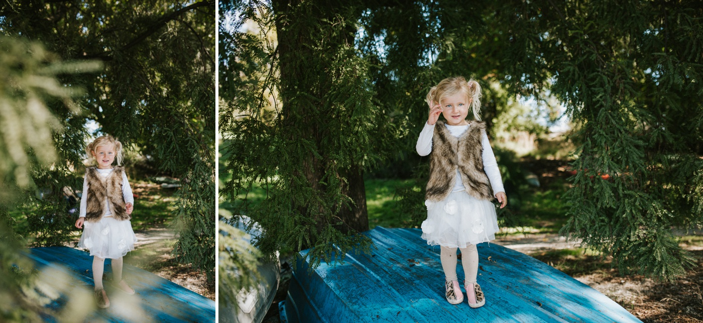 Blake-Lily-Rolig-Lekfull-Familjesession-Familjefotograf-Stockholm-Orebro_28