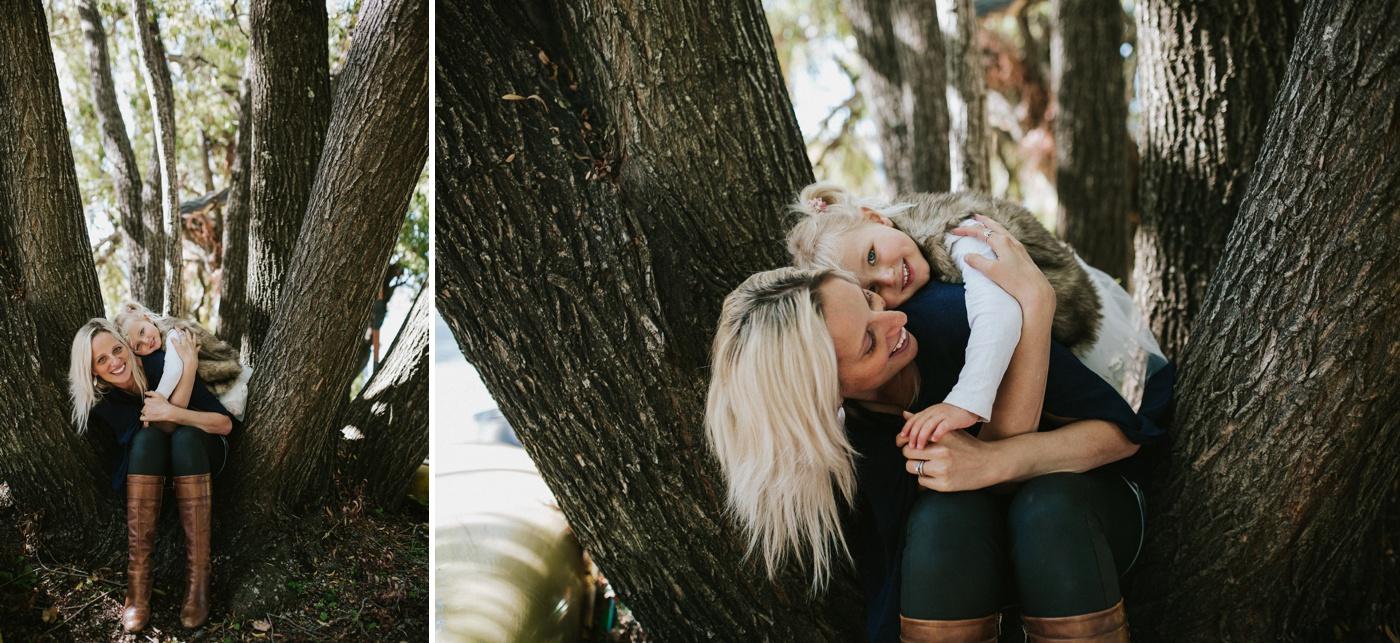 Blake-Lily-Rolig-Lekfull-Familjesession-Familjefotograf-Stockholm-Orebro_36
