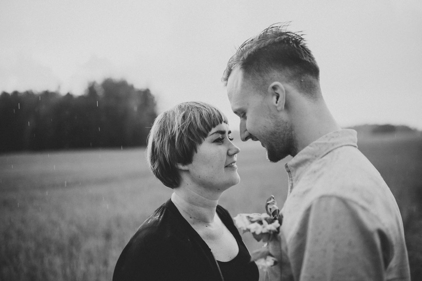 Gustav-Lisa-Relaxed-Swedish-Couples-Session_14